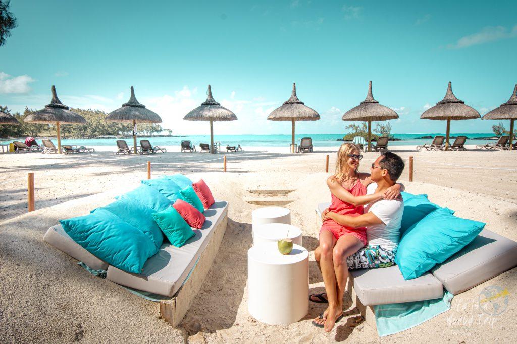 Life is a World Trip - Strandtag und Kokosnüsse auf der paradiesischen Insel Île aux Cerfs
